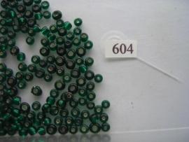 604- 4.6mm glazen rocailles zilverkern donker groen 15gr