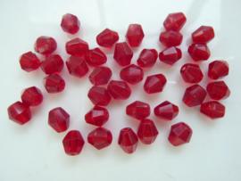 1295- 30 stuks bicone geslepen glaskralen 6x5mm donker rood transparant