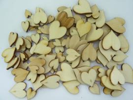 CH.011- 100 stuks houten hartjes blank gelakt van 6 tot 15mm