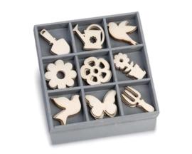 1852 1033- box met 45 stuks houten ornamentjes tuin 10.5x10.5cm