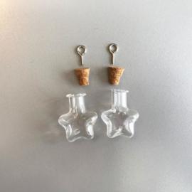 CE453101/2315- 2 stuks glazen flesjes hangers sterren 21x11x23.3mm