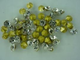 00568- 50 x strass steentjes met punt achterkant SS28-6.1mm zilver