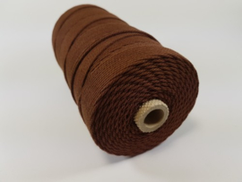CE890040/3202- 215 mtr katoen macramé touw spoel 2mm 500grs - bruin