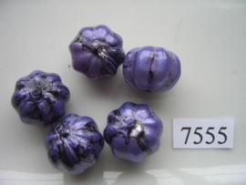 7555- 14x17mm paars/zwarte kunststofkraal