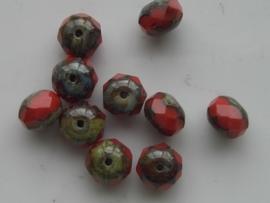 1317- 10 x tsjechische geslepen glaskralen 8.3x6.2mm discus rood met grijze zijkant