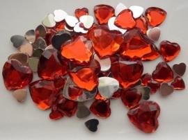 2282 0220- 80 x kunststof strass stenen assortiment hartjes van 8 tot 18mm lang rood