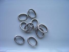 117465/0893 ovale schakelring 13x10mm antiek zilver