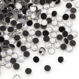 000657- ca. 100 x AA-kwaliteit hotfix strass steentjes SS8 (2.5mm) crystal zilver