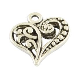 NA.10- 8 stuks bedels ornament hartjes 14x13mm zilver