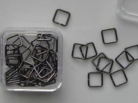 12093/9303- 50 x vierkante ringetjes 6mm antraciet