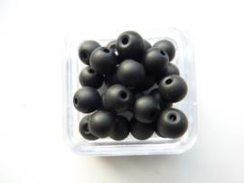 1577- 25 stuks frosted glaskralen van 6mm zwart