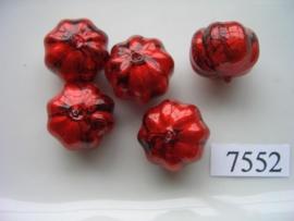 7552- 14x17mm rood/zwarte kunststofkraal