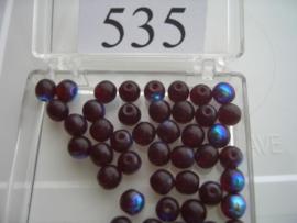 535 Ronde glaskraal 5.5 mm. donker rood AB coating