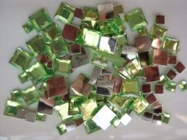 2282 045- 110 x kunststof strass stenen assortiment vierkanten van 6/10/12mm l.groen