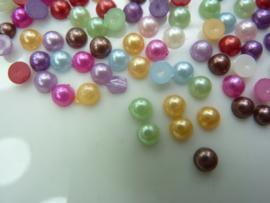5166- ruim 100 stuks kunststof plakparels 4mm kleurenmix