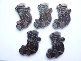0005220.16- 6 stuks metalen charms kerstbeer van ca.3cm antiek zilverkleur OPRUIMING