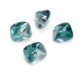 2204 444- 4 stuks glaskralen bohemisch gevormd petrolblauw van 19x14mm in een doosje