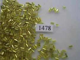 1478- 4mm glazen stiftjes geel zilverkern 15gr
