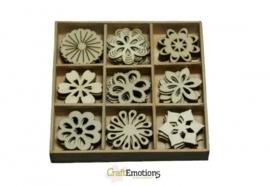 CE811500/0210- 45 stuks houten ornamentjes in een doosje bloemen 10.5x10.5cm