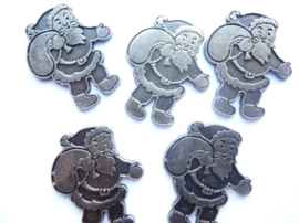 0005220.12- 5 stuks metalen charms kerstman van ca.3.5cm antiek zilverkleur OPRUIMING