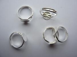 50 stuks verstelbare ringen met lijmplaatje van 10mm verzilverd- SUPERLAGE PRIJS!