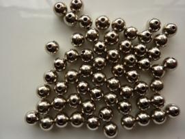7568- ca. 60 stuks kunststof parels van 7mm staalkleur - SUPERLAGE PRIJS!