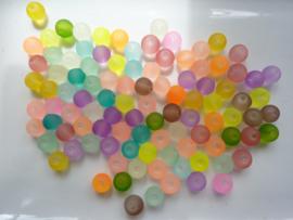 662 - Topaanbieding - 100 stuks frosted glaskralen 8 mm. kleurenmix
