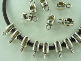 CH.1170- 20 stuks zwaar metalen aanhangkralen 13x6mm zilverkleur