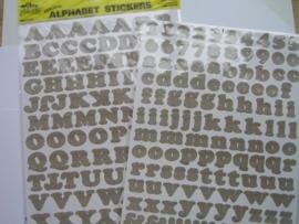 5549- K&Co 2 x A4 formaat stickervellen met letters hout/bruin