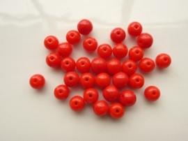 533.A- 30 stuks ronde glaskralen van 5.5 mm opak rood