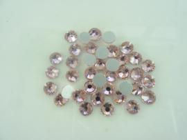 000535- ruim 50 kristalsteentjes SS30 6.4mm light rose - SUPERLAGE PRIJS!
