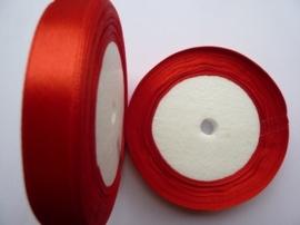 rol met 22.86 meter rood satijnlint van 12mm breed OPRUIMING