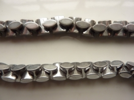 3636- ca. 90 stuks hematite kralen van 10x8x4.5mm - SUPERLAGE PRIJS!