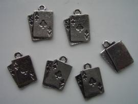 043- 6 x zwaar metalen bedels kaart AAS opruiming