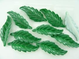 SLK.014- 10 stuks blaadjes groen van 5x1.8cm OPRUIMING