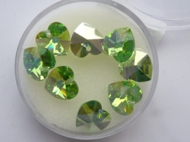 00401/1130- 8 x swarovski kristal hangertjes hartje 10mm peridot green AB OPRUIMING
