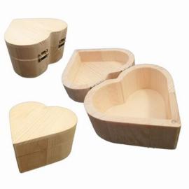 CE811725/0410- houten kistje hartvorm 10cm