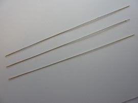 3 stuks rijgnaalden van 12cm lang en 0.45mm dik