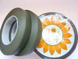 2 rollen rol ouderwetse topkwaliteit bloemencrepeband mosgroen van 13mm breed