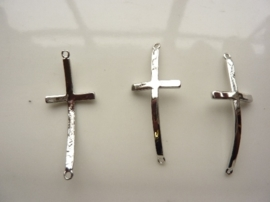 CH.3226- metalen armband ornament kruis 40x17mm zilver SUPERLAGE PRIJS!