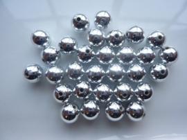 2182- ca. 30 stuks kunststof parels van 10mm zilver