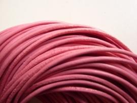 1 meter echt leren veter roze van 2 mm. dik - AA kwaliteit - SUPERLAGE PRIJS!