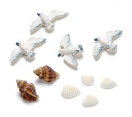8002 757- 10 stuks maritiem decoratie van 1-4cm zeemeeuwen en schelpen