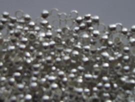 ca. 275 stuks knijpkralen 2mm ZILVER (meest gebruikte maat voor staaldraad)