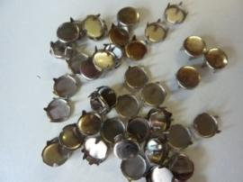 000823- 50 stuks studs voor op kleding en leder rond model 9mm zilver/staal OPRUIMING