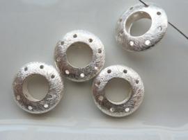 117465/3715- zwaar metalen kraal geborsteld open ring en rand 5x18mm