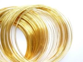 CH.11.5-  Memory Wire metaal spiraaldraad voor nek ring ca. 35 wikkels goudkleur
