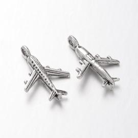 NA.20- 8 stuks metalen bedels vliegtuig 23x15.5x4mm zilver