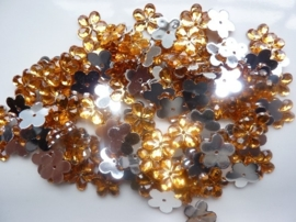 008022/0042- 120 stuks kunststof strass/spiegel bloemetjes van 12mm met gaatje oranje