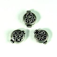 zware massieve metalen kraal plat met ornament erin bewerkt 11mm 117465/0102